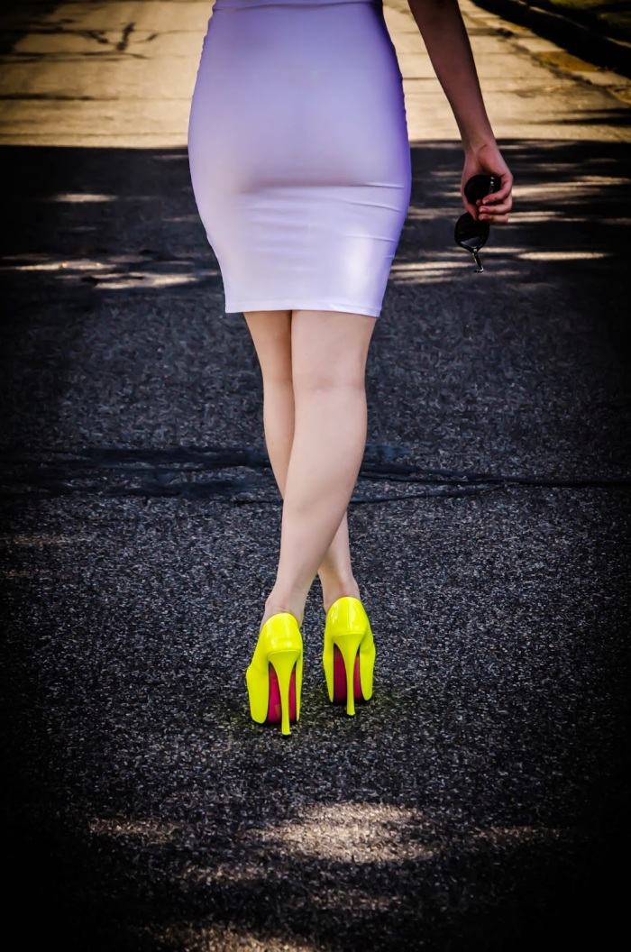amiclubwear, ami clubwear, neon color outfit, pumps, neon heels, green striped dress, curly hair, pretty, bodycon dress, bandaged dress, long legs, edward eliason photography, edward eliason, photography,